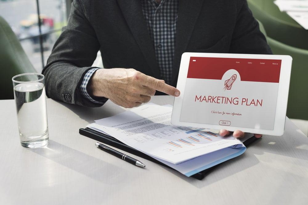حملات التسويق الالكتروني عبر الانترنت الأكثر فعالية في جذب العملاء