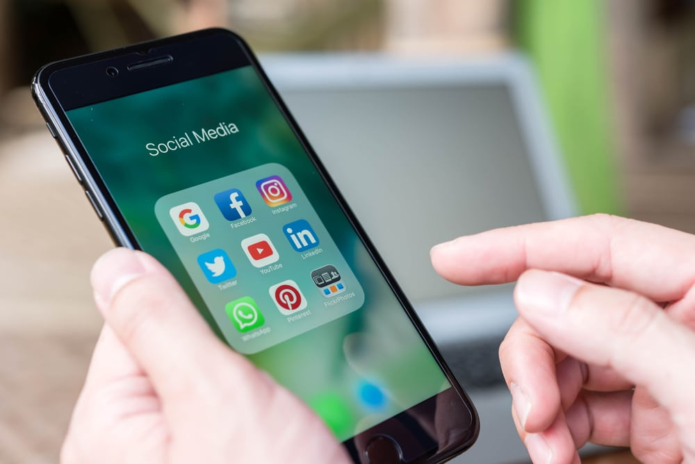 أشهر مواقع التواصل الاجتماعي الأكثر استخداماً في الدول العربية