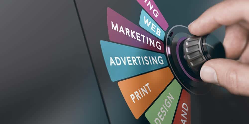 كيف أبدأ التسويق الالكتروني ؟ وهل التسويق الإلكتروني مربح ؟